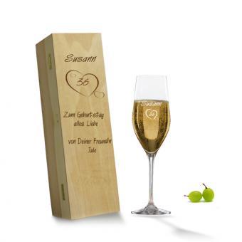 Geburtstag Sektglas in Holzkiste als Personalisierbares Geschenk