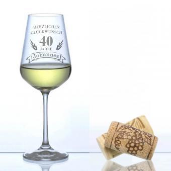 individuelles Weinglas zum Geburtstag graviert