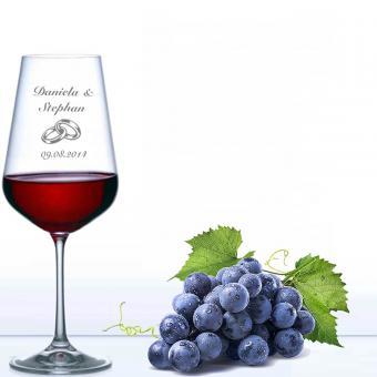 Weinglas zur Hochzeit - Rotwein Ringe