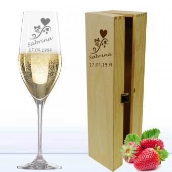 Sektglas für Verliebte in Holzkiste
