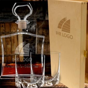 Whiskykaraffe im Set mit Logo graviert in Holzkiste