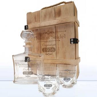Whiskykaraffe graviert mit Whiskybecher in Holzkiste