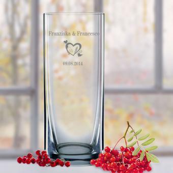 Vase mit Herzen individuell gravieren