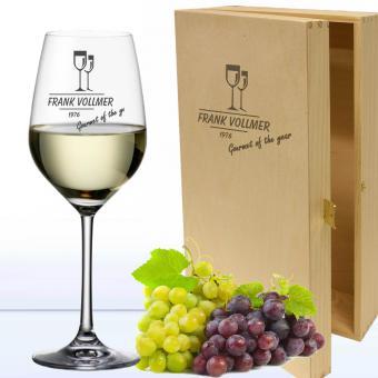 Weißweinglas mit Namen in Holzkiste MyWine