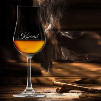 Whiskyglas mit Stiel mit Namensgravur